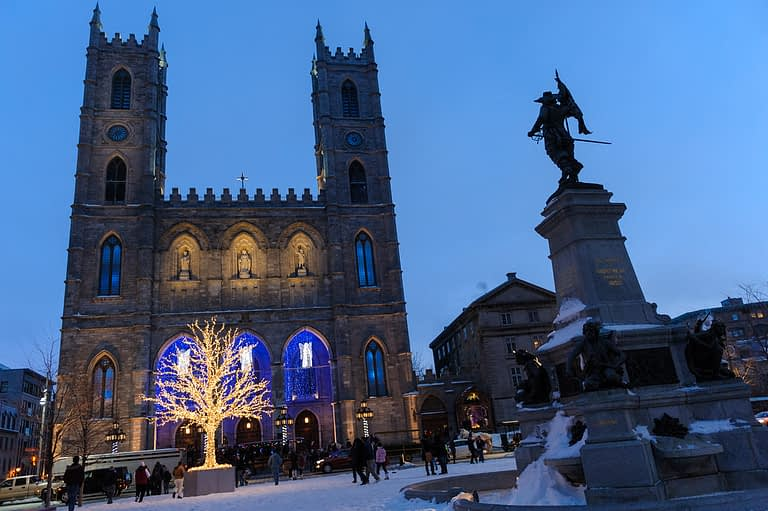 Romantic winter proposal in Montreal