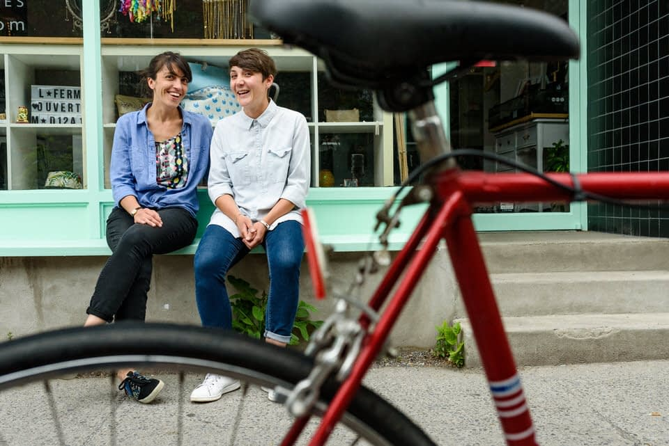 Lesbian engagement photos in Montreal