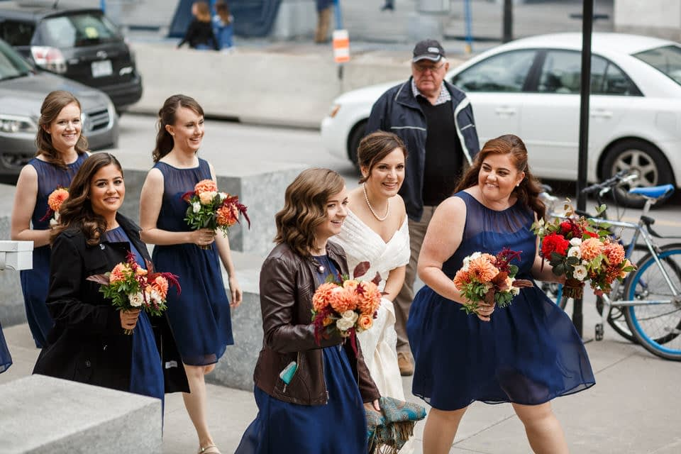 Bride and bridesmaids arriving for the first look