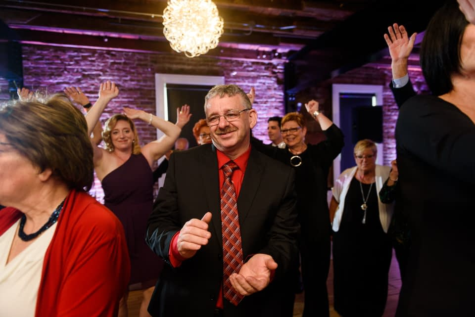 Everyone starts dancing as wedding couple arrives at Canvas Montreal 04