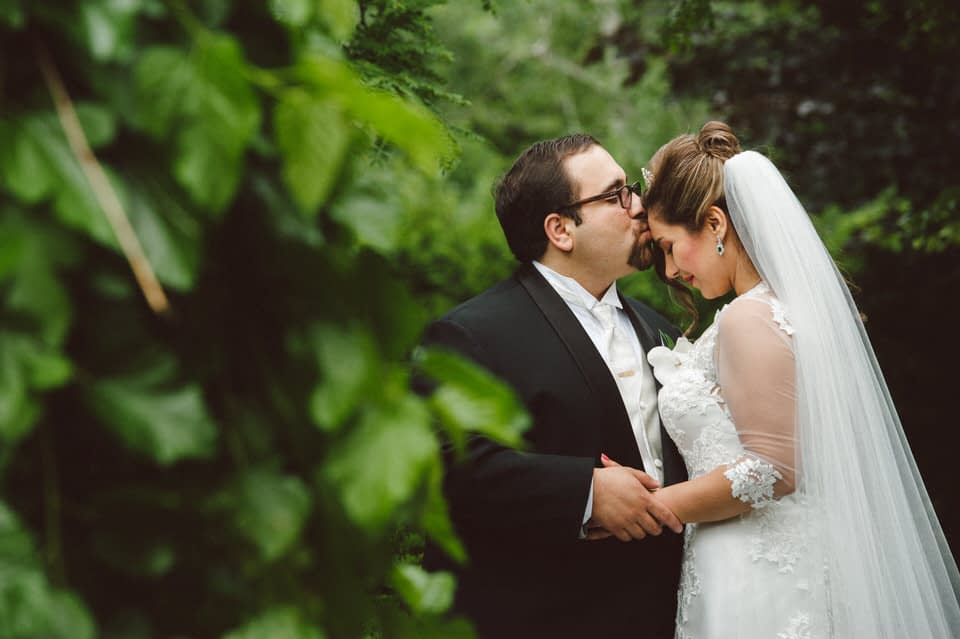 Wedding portraits in the garden of Chateau Bromont