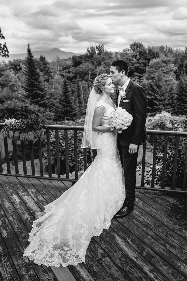 Black and white wedding portrait in Eastern Townships