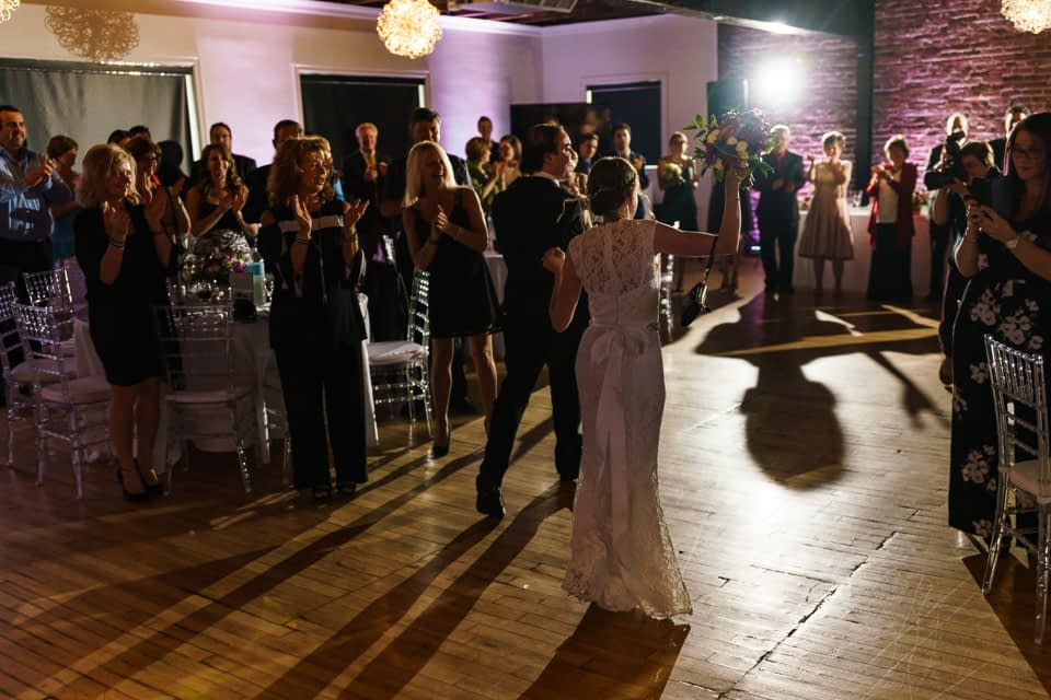 Wedding couple grand entrance at Canvas Loft in Lachine 02