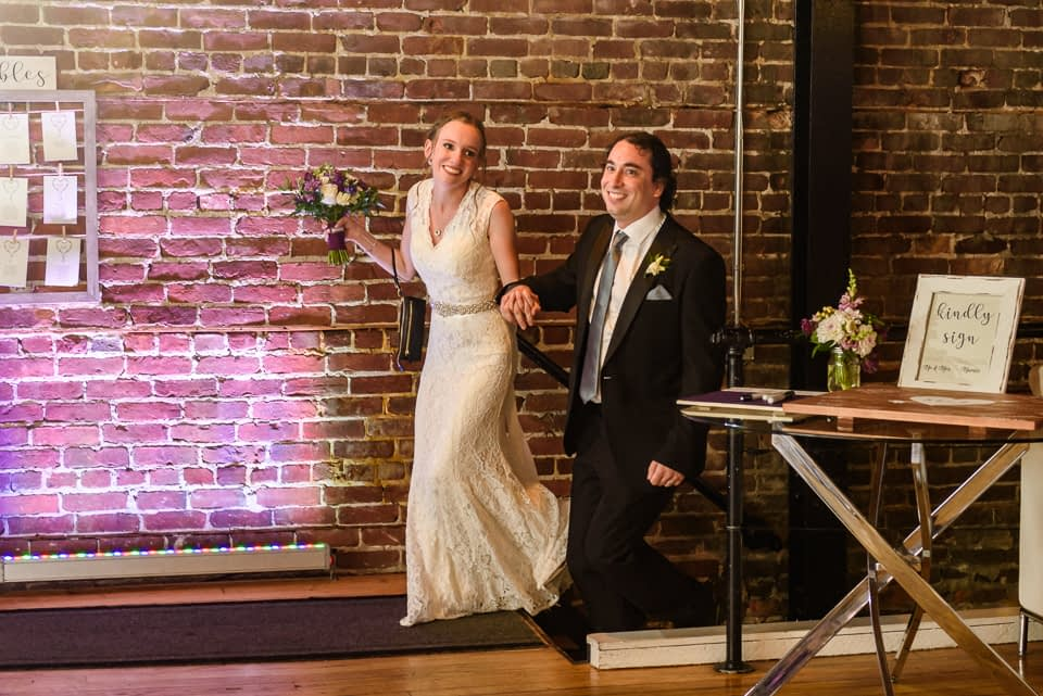 Wedding couple grand entrance at Canvas Loft in Lachine 01