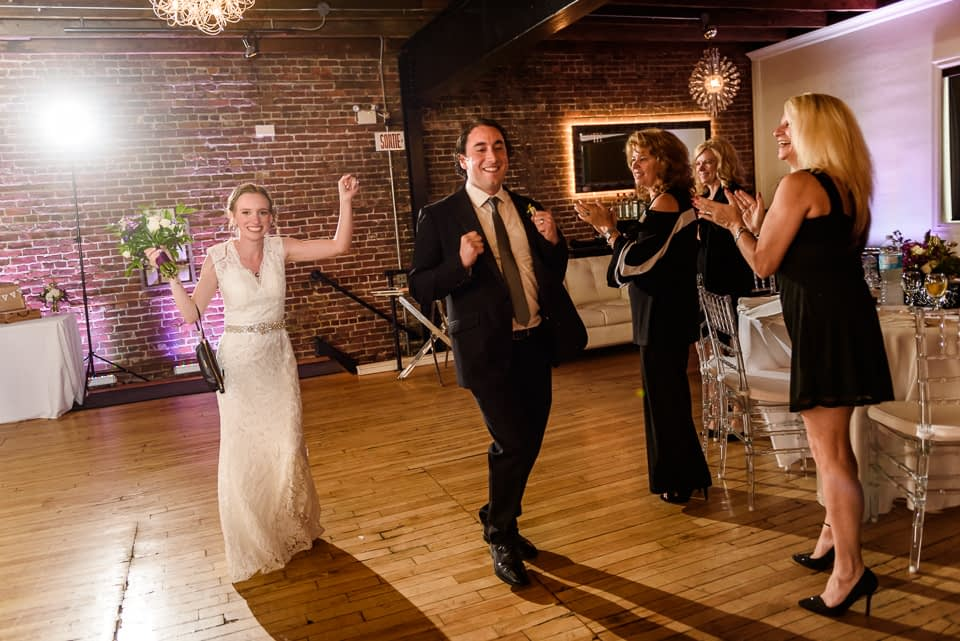 Wedding couple grand entrance at Canvas Loft in Lachine 03