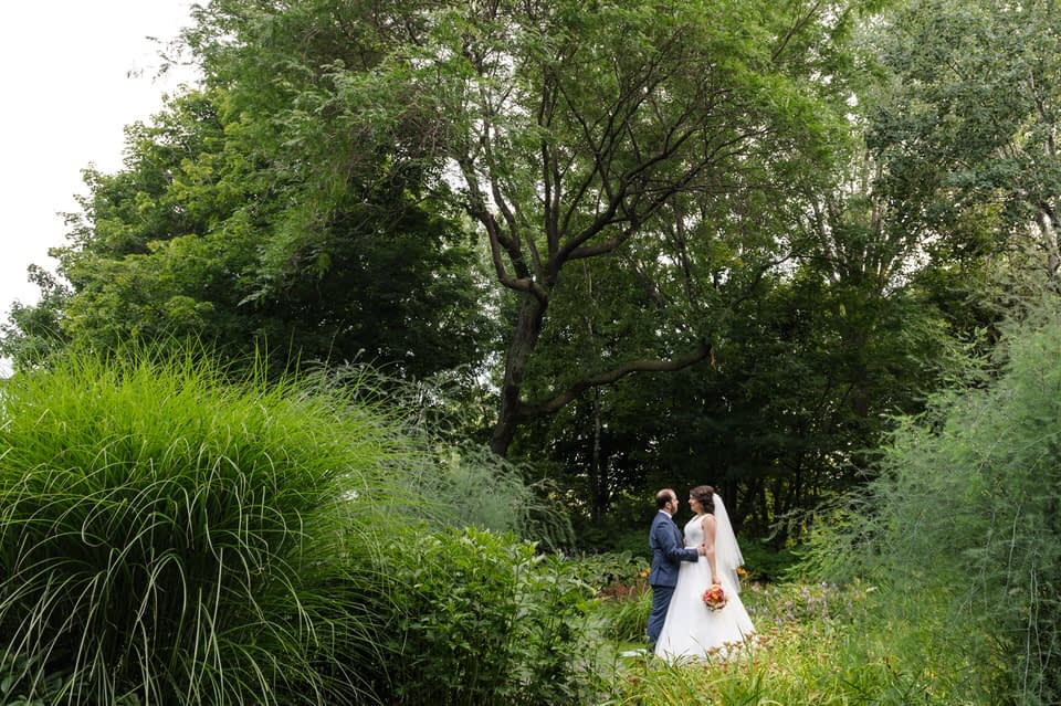 Parc Jean-Drapeau bride and groom portrait